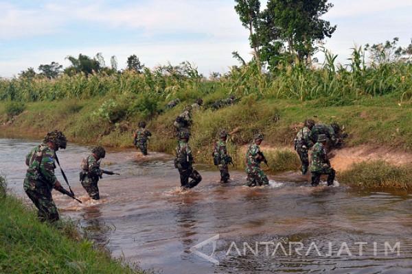 Prajurit Menart-1 Marinir Laksanakan Operasi Darat