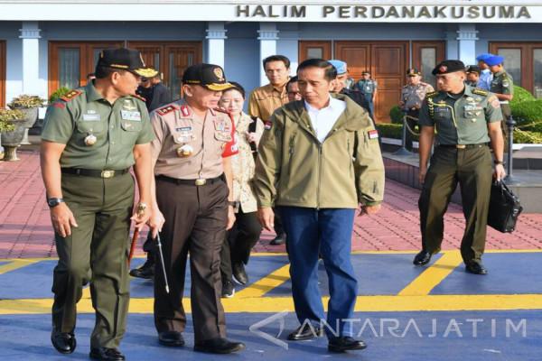 Presiden Saksikan Latihan Perang TNI di Natuna