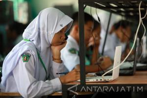 Jelang UNBK, Puluhan SMP di Tulungagung Menumpang Ujian