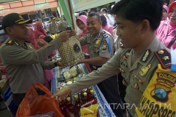 Polres Tulungagung Gelar Pasar Murah Keluarga Bhayangkara (Video)