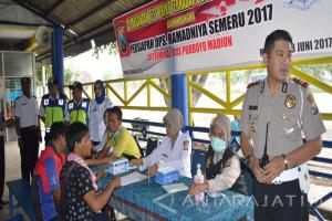 Polisi Tes Urine Sopir Bus Terminal Ngawi