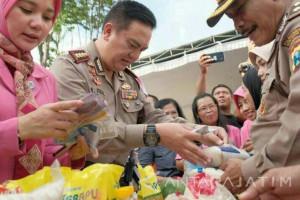 Polrestabes Surabaya Gelar Bazar Ramadhan