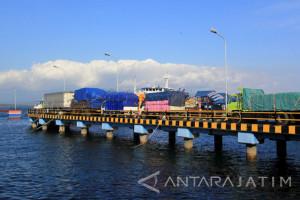Pakde Karwo Minta Pemaksimalan Pelabuhan di Jatim
