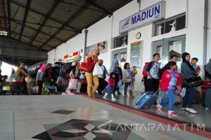 Delapan KA Semarang ke Madiun Dialihkan Jalur