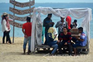 Wisata pantai Sembilan