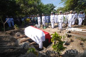 Pemakaman Jenazah Korban Kecelakaan Helikopter