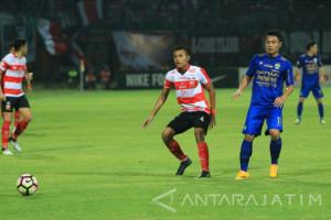 Madura United Hadapi Persib Bandung Tanpa Dana Melovanovic