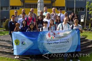 Kemah Budaya Internasional Unej Diikuti Peserta dari Delapan Negara