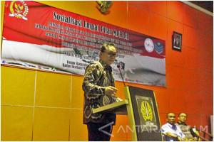Zulkifli Hasan Tantang Mahasiswa Surabaya Kalahkan Dirinya