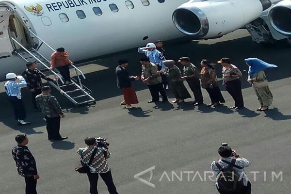 Pesawat Jokowi Datang, Wings Air Terlambat 2,5 Jam di Bandara Notohadinegoro Jember
