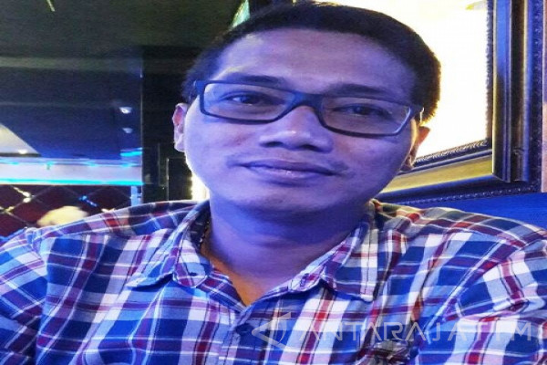 Pedagang Pasar Tanjungsari Surabaya Tolak Disebut Ilegal