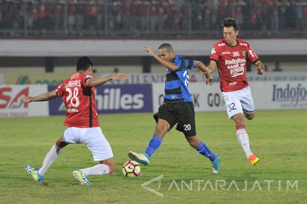 Madura United Akhirnya Tergusur dari Puncak Klasemen