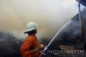 Kebakaran Gudang Tebu