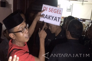 Pedagang Tanjungsari-Dupak Nyaris Segel Ruang Komisi B DPRD Surabaya (Video)