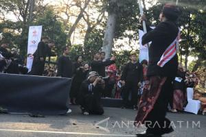 Ketika Menteri PUPR Hunting Foto Karnaval Kemerdekaan