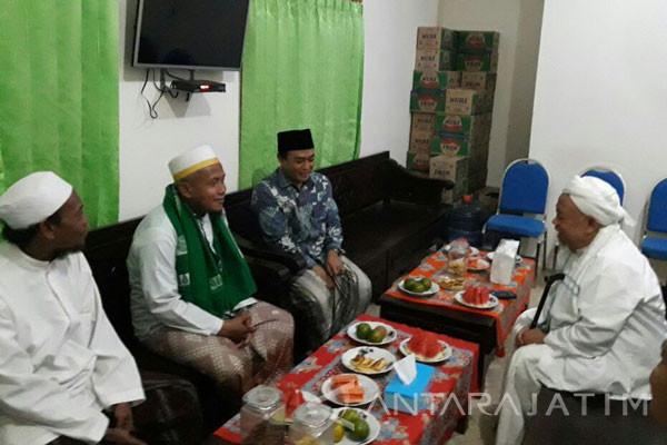 KH Syamsul Arifin Restui Badrut Tamam Maju di Pilkada Pamekasan