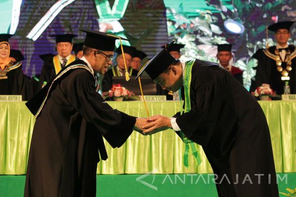 Menpora Imam Nahrawi Terima Gelar Kehormatan dari UINSA