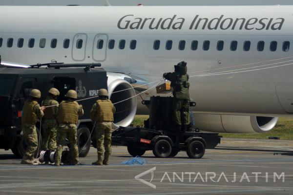 TNI AL-Angkasa Pura Latihan Antiteror (Video)
