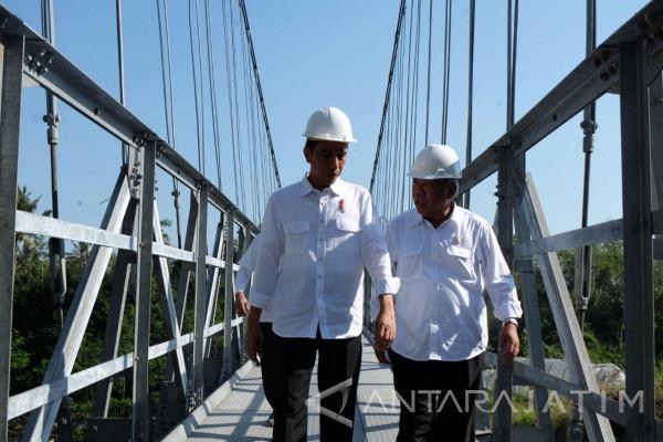 Jokowi Janji Tambah Pembangunan 300 Jembatan Gantung (Video)