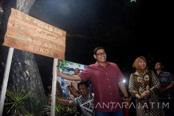Lampu-Lampu di Taman Kota Kediri Dicuri