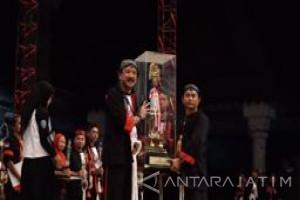 Kesenian Reog Universitas Brawijaya Raih Juara Umum Tingkat Nasional