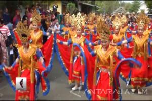 (Video) Apresiasi Menteri PPPA untuk Festival Egrang