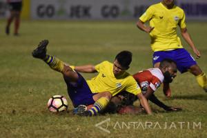 Persegres Dikalahkan Madura United