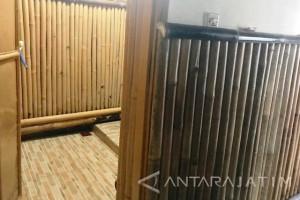 "Kamar Mandi Bambu Pak Katno Siap Boyongan ke Rumah ""Paman Sam"" (Video)"