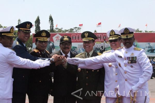 Pakde Karwo Akui Bangga TNI