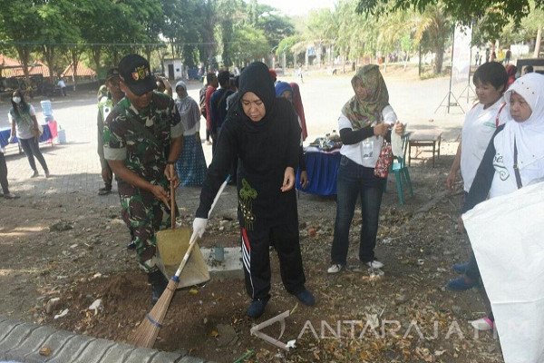Wawali Lilik Muhibbah Minta warga Jaga Kebersihan Lingkungan