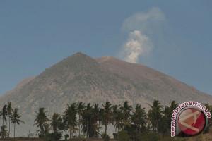Layanan Komunikasi Tidak Terganggu Erupsi Gunung Agung