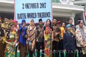 Ikrar Toleransi Dunia Muncul di Hari Batik Nasional di Malang (Video)