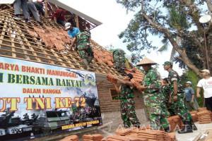 HUT TNI di Jember Diwarnai dengan Karya Bakti