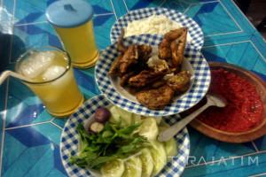 Lezatnya Ayam Goreng Kartini Bojonegoro (Video)