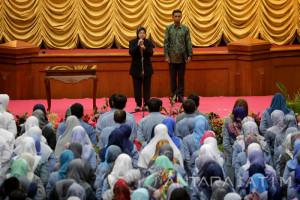 Wali Kota Surabaya Motivasi 500 PNS untuk Beti Layanan Terbaik