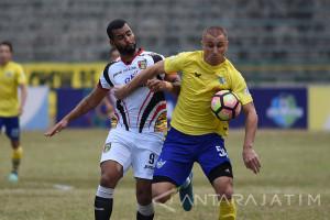 Persegres Dihajar Sriwijaya FC 2-10