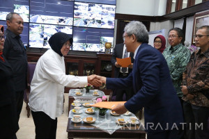 Risma Tekankan Optimalisasi Pelayanan PDAM Surabaya