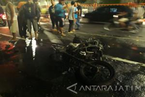 Tiga Pemuda Ngawi Tewas Akibat Tabrak Truk Parkir