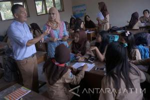 Dosen Jerman Pelajari Kurikulum Pendidikan di Indonesia (Video)