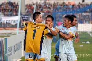 Persela Lamongan Kalahkan Persib Bandung