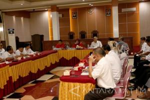 Wali Kota Probolinggo Minta OPD Tidak Terburu-buru Serap P-APBD 2017