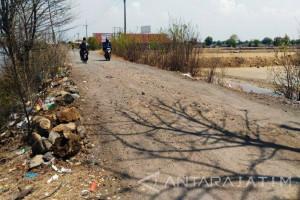 Sidoarjo Perbaiki Jalan Rusak Secara Swakola
