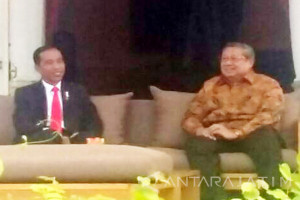 Di Istana Merdeka Jokowi Bertemu SBY (Video)