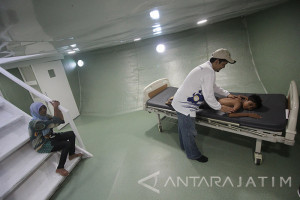 RS Terapung Ksatria Airlangga Layani Masyarakat Surabaya