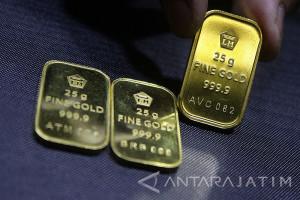 Emas Turun Jelang Pertemuan Fed
