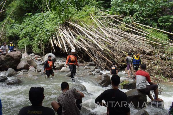 Pencarian Korban Banjir