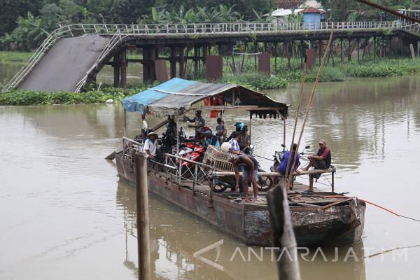 Debit Air Sungai Brantas Meningkat