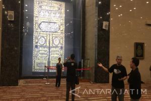 Indahnya Arsitektur Masjid Namira Lamongan Bernuansa Arab Saudi (Video)