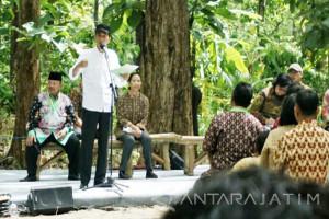 Jokowi on Working Visit to Madiun