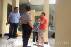 Polrestabes Surabaya Tangani Kasus Pengeroyokan Suami-Istri